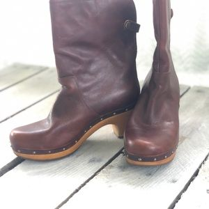 UGG Shoes - Ugg Boots Gently Used Wooden Heel Size 8